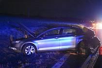 U Slaného bourala dvě auta. Jeden z řidičů měl dvojitou smůlu. Foto: Jiří Skála