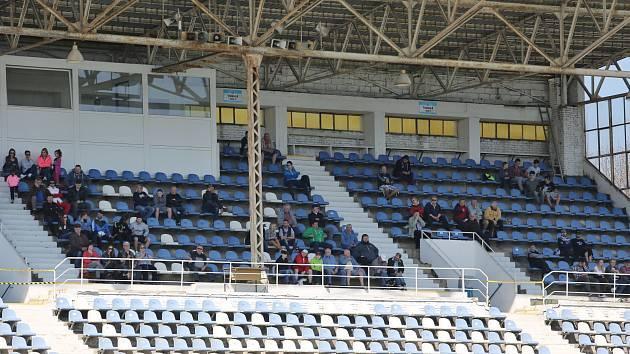 Tribuna stadionu Františka Kloze.