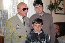 Úspěšní účastníci loňského ročníku se setkali s generálem Tomášem Sedláčkem.
