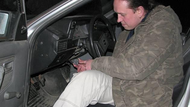 Šťastný řidič z Kladna se s odcizeným vozidlem shledal  už za tři dny. Bez pomoci policie našel ukradený Opel Kadett zaparkovaný