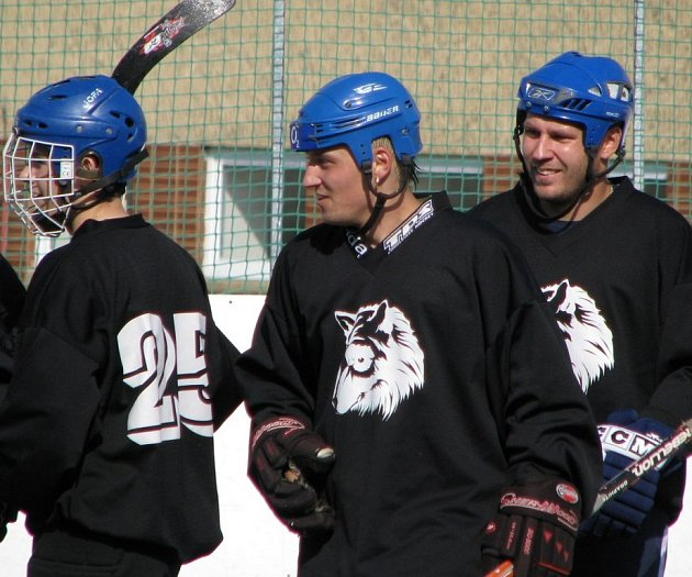 Buštěhradší Vlci suverénně ovládli nultý ročník okresního poháru.