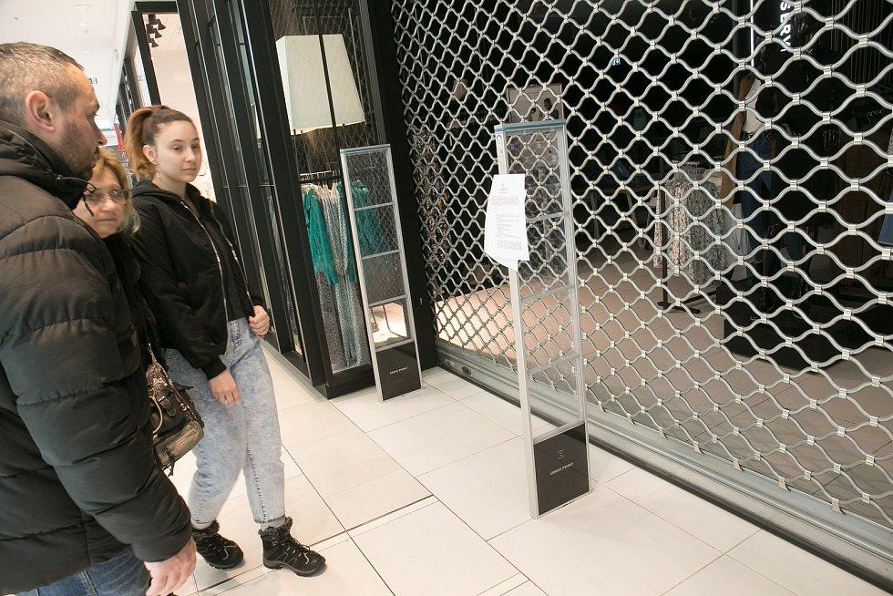 Zavřené obchody v kladenském Obchodním centru Central