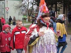 Staročeský masopust se v sobotu uskutečnil ve Stochově.