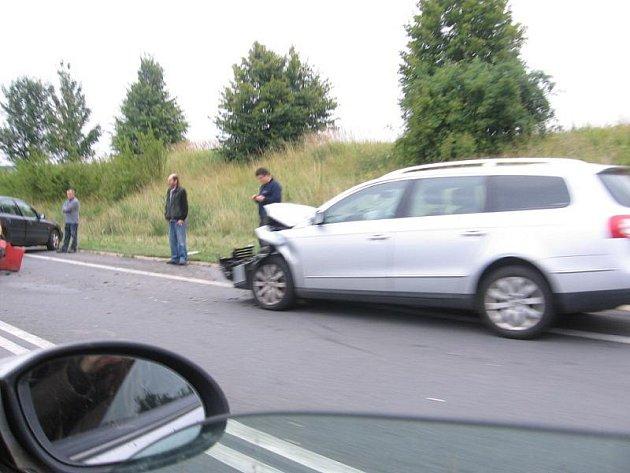 Jedno ze tří nabouraných vozidel.