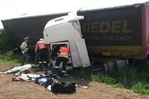 Nehoda se stala nedaleko Makotřas.