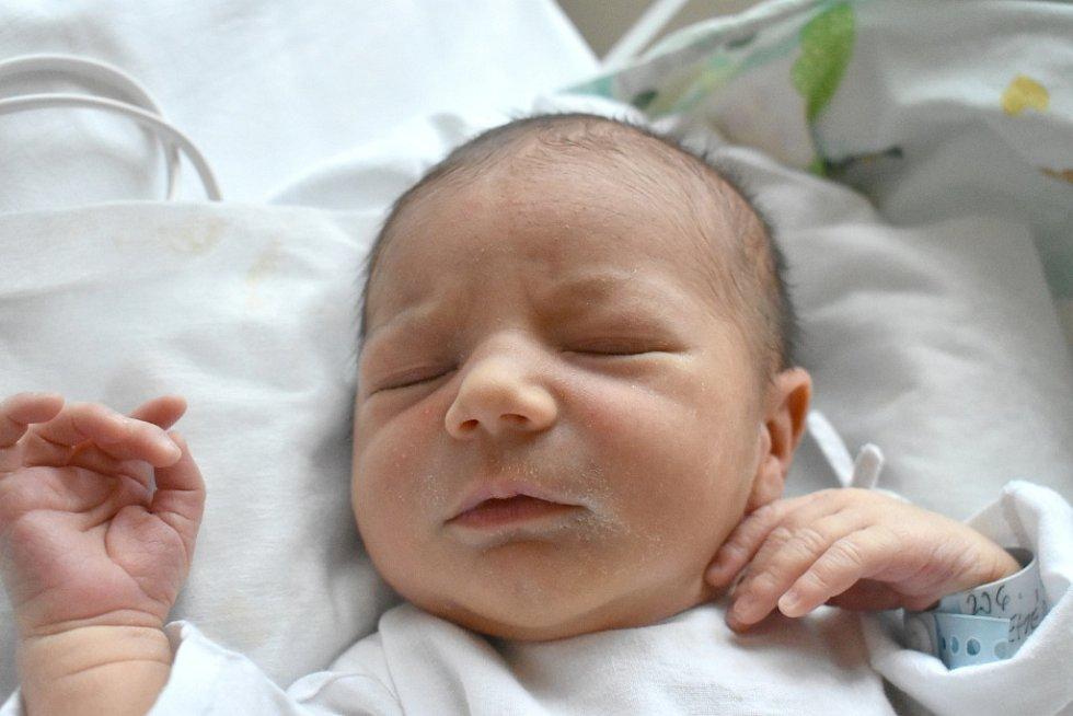 OLIVER FEHÉR, KLADNO. Narodil se 12. března 2018. Po porodu vážil 3,43 kg a měřil 50 cm. Rodiče jsou Monika Fehér a Gabriel Fehér. (porodnice Kladno)