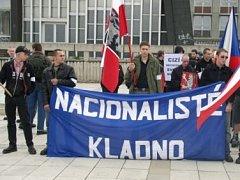 Pochody nacionalistů bývají pro mnohé obyvatele obávanou akcí.