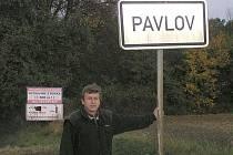 Pavlov je jednou z mála obcí, ve které je možno od jedné značky dohlédnout k druhé.