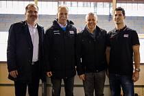 Zahájení velkého mezinárodního turnaje hokejových akademií ve Slaném. Zleva M. Hrabánek, S. Lener, J. Koluch a R. Hlavatý.