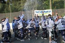 HBC Alpiq Kladno - HBC Plzeň 3:2 (1:1, 2:0, 0:1), 4. finále extraligy hokejbalu 209/10, hráno 23.5.2010 - Kladno je mistrem ligy, stav serie 3:1