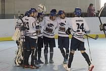Hokejbalisté Alpiqu Kladno otočili duel s Kert Parkem a vedou v sérii 1:0.