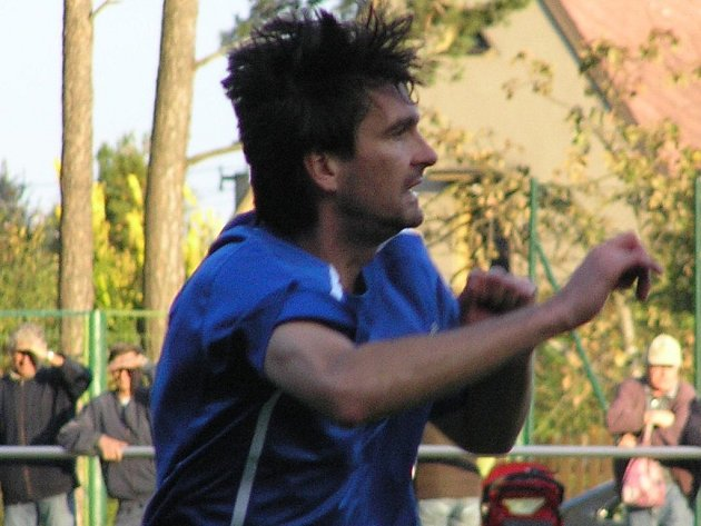Vítěznou trefu do sítě Nelahozevsi zaznamenal Radek Duda.