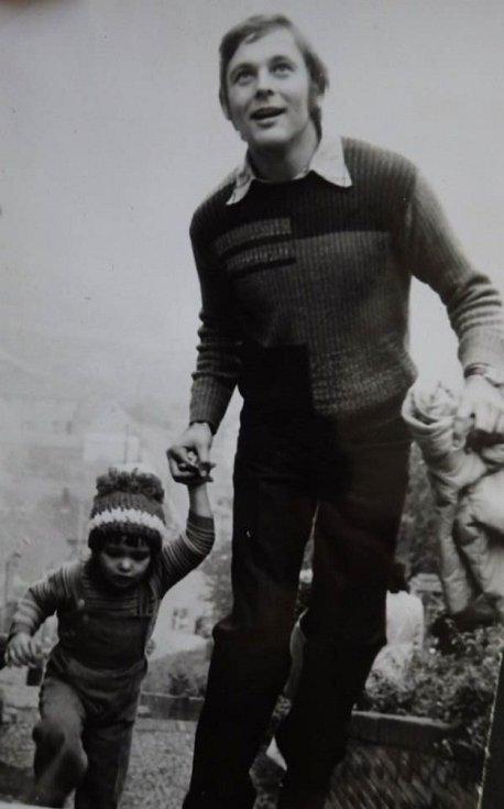 Běh do schodů se stal pro Podprůhonské už příjemnou tradicí. Na start se postavili letos i tatínek Václav Čechura s dcerou Martinou po 40 letech.