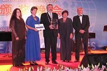 Loni převzali zástupci Kladna bronzovou cenu až ve vzdálené Číně.