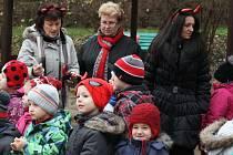 Mikulášská návštěva ve školce Na Dolíkách ve Slaném