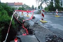 Most v Průmyslové ulici v Kladně.