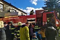 Smečenští hasiči budou jezdit za požáry v novém vozidle.