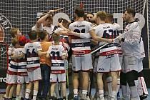 V odvětě čtvrtfinále play off kladenští Kanonýři porazili Jaroměř 10:3 a vyrovnali stav série na 1:1