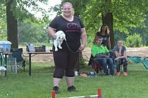Adéla na závodech soutěžila hned s několika králíky.