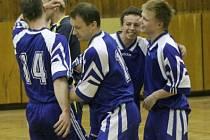 Futsalisté Celtiku Kladno se dočkali prvních bodů - v Mělníku remizovali s Olympikem B 5:5.