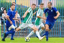 MOL Cup: Slaný (v modrém) - Hostouň 1:2 po prodloužení. Pálí Jiří Kabele