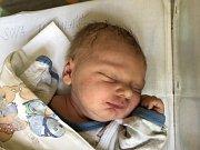 MIKULÁŠ SOVA, ČERNUC. Narodil se 17. července 2019. Po porodu vážil 3,51 kg a měřil 52 cm. Rodiče jsou Michaela Peřinová a Jaroslav Sova. (porodnice Slaný)