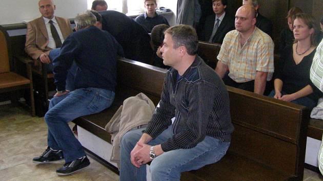 Je Kladensko teritoriem vykutálených dopravních policistů? Jedenáctka, která byla zdržena v roce 2007, má již soud za sebou. Dva jejich nástupce zřejmě teprve čeká.