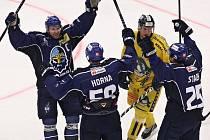 Kladno - Šumperk 4:1, Rytíři se radují z gólu Tomáše Horny na 2:0.