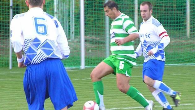 Tomáš Rác (v zeleném) dal na turnaji jeden krásný gól z dálky. předvede při vyvrcholení (turnaje) ještě něco?