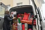 Obyvatelé města i letos splnili vánoční přání dětem z dětských domovů z Kladna a okolí.