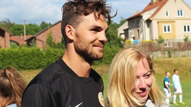 7. ročník Memoriálu M. Ježka opět ozdobily hvězdy hokejového i fotbalového nebe. Michael Frolík se fotil s fanoušky