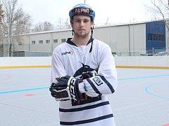 Vycházející hvězdička kladenského hokejbalu Patrik Novák.