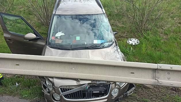 Z dopravní nehody na dálnici D6