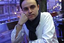 Daniel Přibyl chce repertoár Městského divadla Kladno zpestřit a také divákům pomoci, aby se v něm dokázali zorientovat. Repertoár by měl svou šíří a přehledností umožnit každému vybrat si titul podle jeho vkusu.