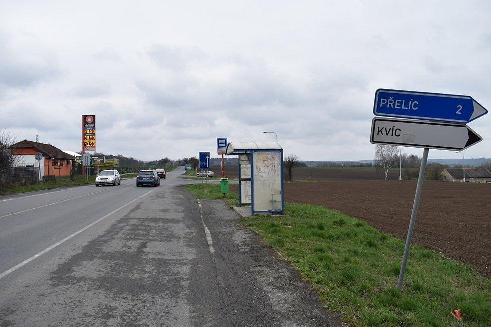 Zastávka Slaný-Kvíc U hrušky.