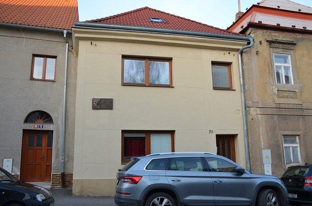 6. zastavení – Soukenická ulice č.p. 70.Vtomto domě se narodil Jan Zach.