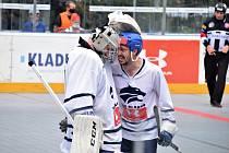 Kladno - Karviná 3:2 po prodloužení. Hrdinové zápasu Jan Jirotka a Milan Schnaubelt v krásném výrazu plném emocí. Teď jsou oba v nominaci reprezentace.