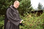 Bratr Jan se věnuje kromě duchovních záležitostí i výrobě džemů.