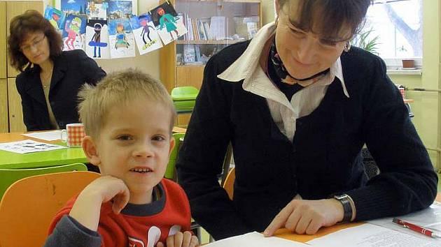 Jakub Sulin a učitelka Iva Soukupová se o víkendu poprvé potkali u zápisu do velvarské základní školy.