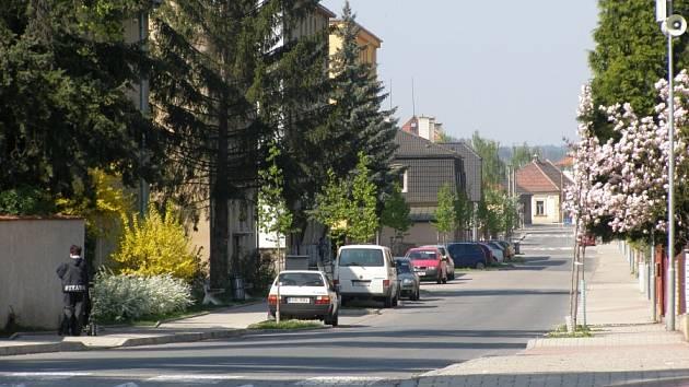 Kvůli nezkolaudovanému kanalizačnímu propojení v Komenského ulici bude Unhošť možná muset vrátit dotaci 13,5 milionu korun.