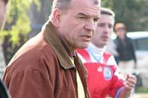 Jiří Šarlinger, dnes už bývalý trenér Slovanu Velvary.