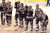 Kladenská radost po vítězství nad Pardubicemi v roce 2005.