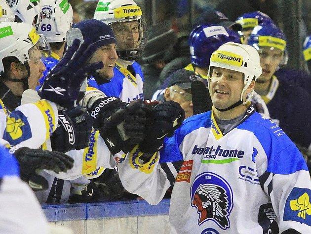 Martin Straka slaví penaltovou branku... //  HC Rytíři Kladno - HC Plzeň 1929  2:7, O2  ELH 2011/12, hráno 8.1.2012