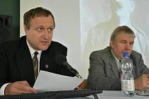 Snímky z desátého ročníku historické konference na téma Všude žijí lidé - Slaný a Slánsko ve XX. století.