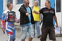 na tuhle trojku bude Slaný hodně spoléhat - zprava manažer Milan Mach (vpravo) s marketingovým šéfem Jiřím Čermákem (uprostřed) a talentovaným odchovancem Eduardem Krčmářem.