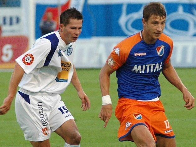 Zahraje si v Gambrinus lize také Lukáš Michal (vlevo), jehož Kladno uvolnilo na jaře na hostování?