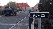 Most ve Velvarech je konečně průjezdný, práce ale i tak pokračují.