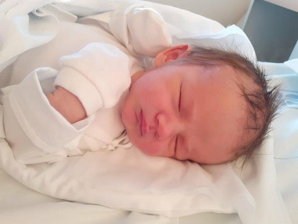 Jáchym Šimek se narodil 30. prosince roku 2020 v 11:05 v kladenské nemocnici. Vážil 3580g  a měřil 52cm. Rodiči jsou Jan Šimek a Barbora Pánková.