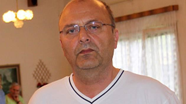 Vladimír Lemon byl nejprve pověřen vedením kladenské nemocnice místo Kateřiny Pancové, která figuruje v kauze stíhaného Davida Ratha. Nyní ji ve funkci definitivně nahradil.