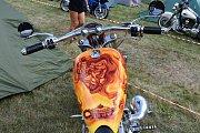 Stovky motorkářů si užily dvoudenní motorkářský festival v kempu v Žerotíně.